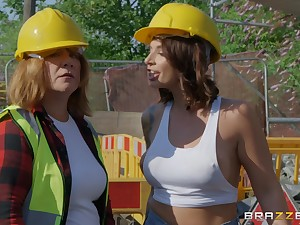 Curvy babe Ivy Lebelle fucks all over a construction worker hardcore