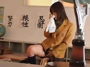 jap girl alone in classroom01