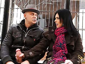 Montse Swinger double penetrated by two strangers