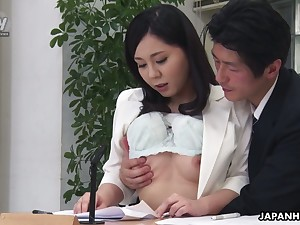 Torrid dark-skinned head Miyuki Ojima flashes tits and gives nice head