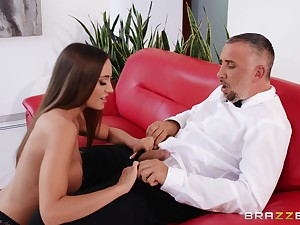 Desiree Dulce gets her cunt be full with fat friend's gumshoe on the sofa