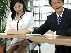 Uncensored japanese porn: hot lady Miyuki Ojima got fingered in make an issue of office
