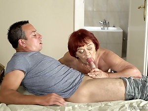 Heavy wrinkled full-grown cowgirl Marsha deserves banging from behind
