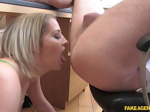 Sienna Make obsolete likes to cum with a horny stranger in all possible ways