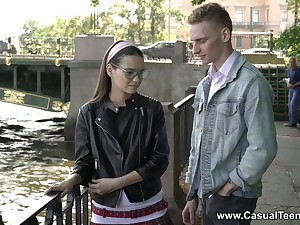 Retiring student in glasses Pinky Breeze allows to cum on the brush face on the first date