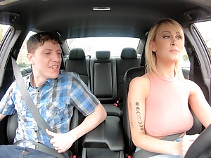 American taxi-cub driver Maxim Law gives gets intimate with one nerd passenger