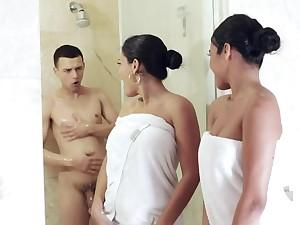 Hot sluts Fro Turns Sucking Elsewhere Boyfriend