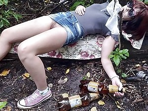 Fucked drunk Russian teen here rub-down the forest