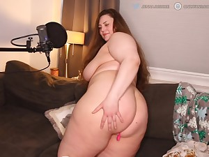 BBW Curvy Goddess is on fire. LIKE if you want to make her a creampie with that ass.